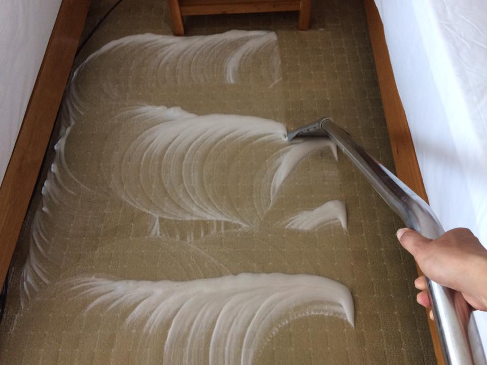 Giặt thảm trải sàn khách sạn Petro – TP Vũng Tàu 3