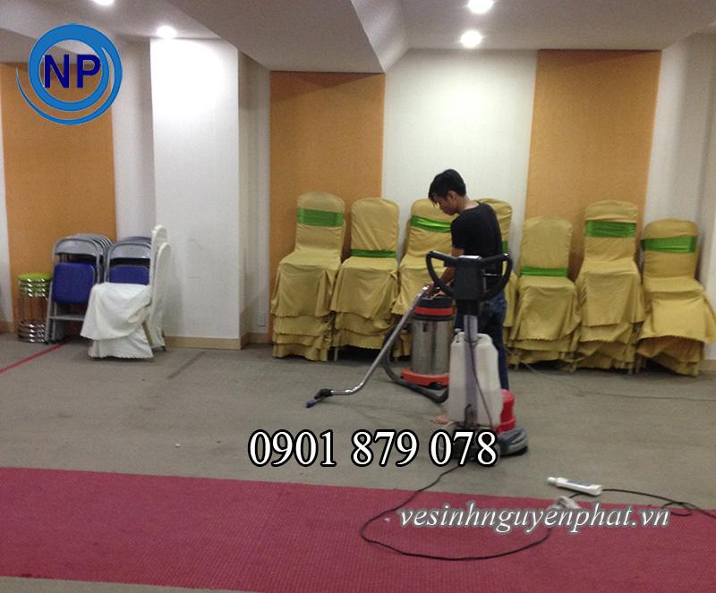 Dịch vụ giặt thảm văn phòng chất lượng tại quận 2 TP HCM