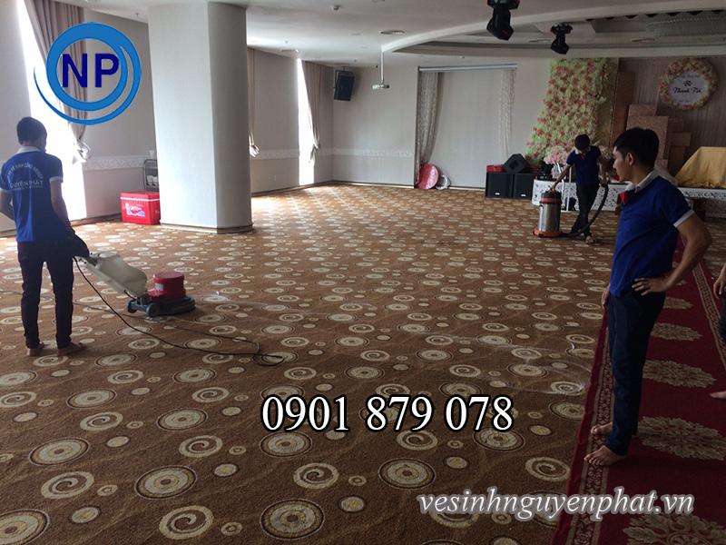Dịch vụ giặt thảm văn phòng chất lượng uy tín tại quận Tân Bình