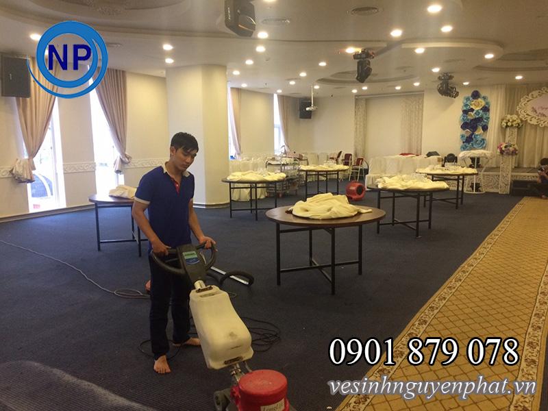 Dịch vụ giặt thảm văn phòng giá rẻ tại quận 8 khu vực TP HCM