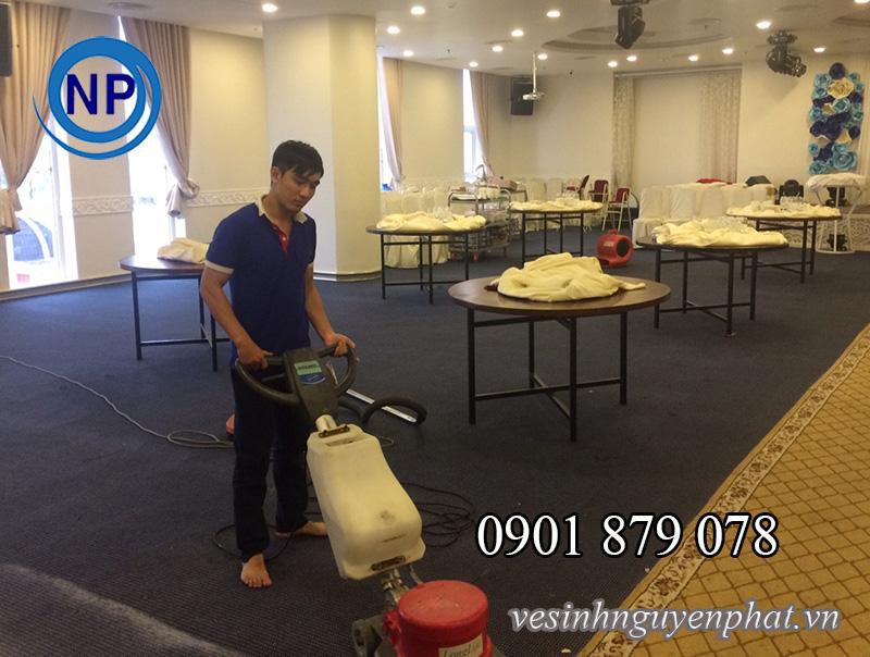 Dịch vụ giặt thảm văn phòng giá rẻ tại quận Phú Nhuận TP HCM