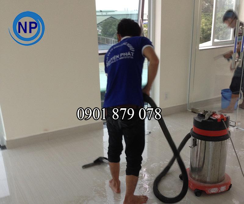 Dịch vụ vệ sinh nhà ở sau xây dựng uy tín tại TP HCM