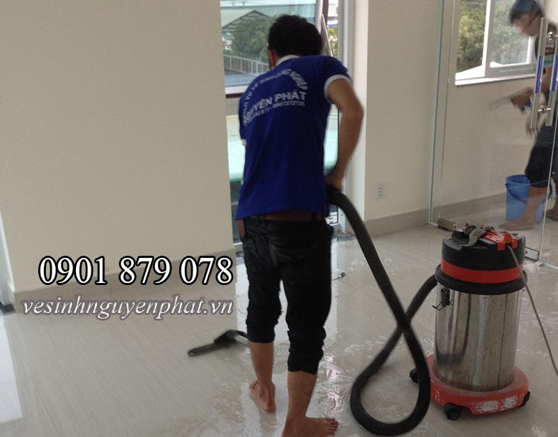Vệ sinh, dọn vệ sinh sau xây dựng văn phòng, căn hộ tại HCM