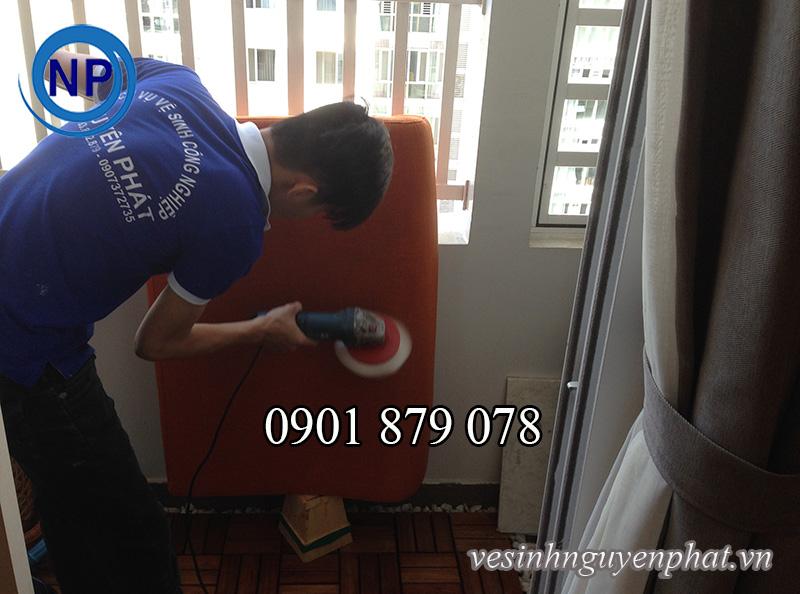 Dịch vụ giặt ghế SOFA da, SOFA vải nhung tại nhà ở khu vực TP HCM