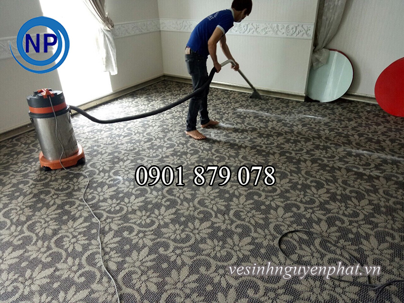 Dịch vụ giặt thảm giá rẻ, chỉ với 5000 đồng/ m2 tại Quận 1 2