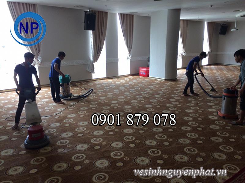 Dịch vụ giặt thảm văn phòng giá rẻ 5000 đồng/m2 TPHCM