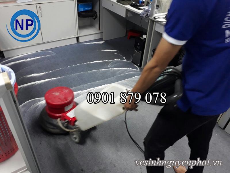 Dịch vụ giặt thảm văn phòng tại quận Phú Nhuận TP HCM 2