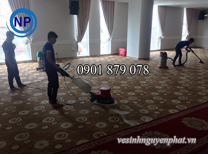 Dịch vụ giặt thảm, vệ sinh thảm văn phòng chuyên nghiệp tại TP HCM
