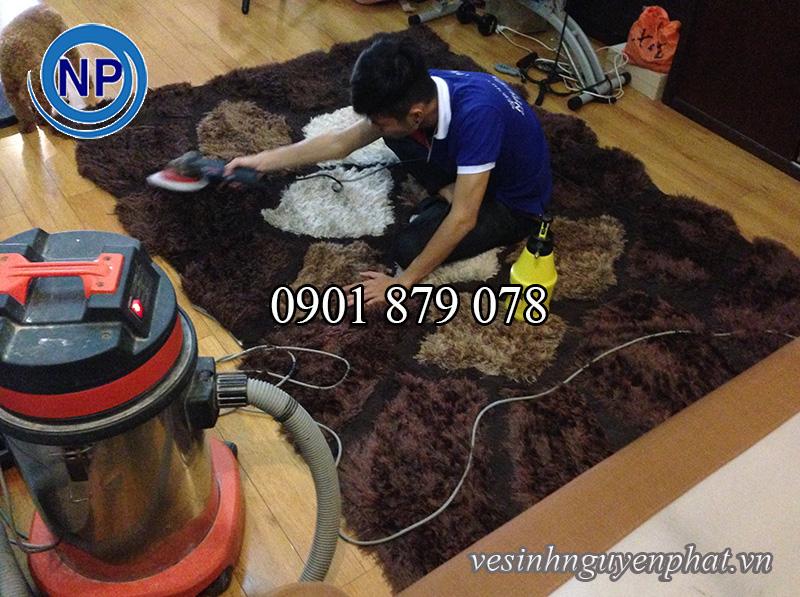 Dịch vụ vệ sinh thảm lót sàn nhà UY TÍN tại TP HCM