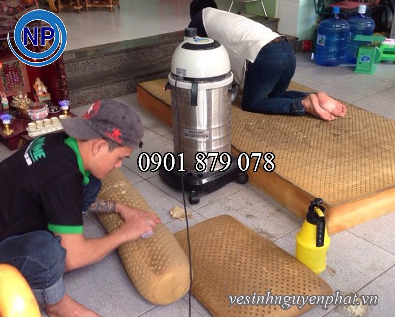 Giặt nệm tại nhà, dịch vụ giặt nệm Uy Tín tại TP HCM