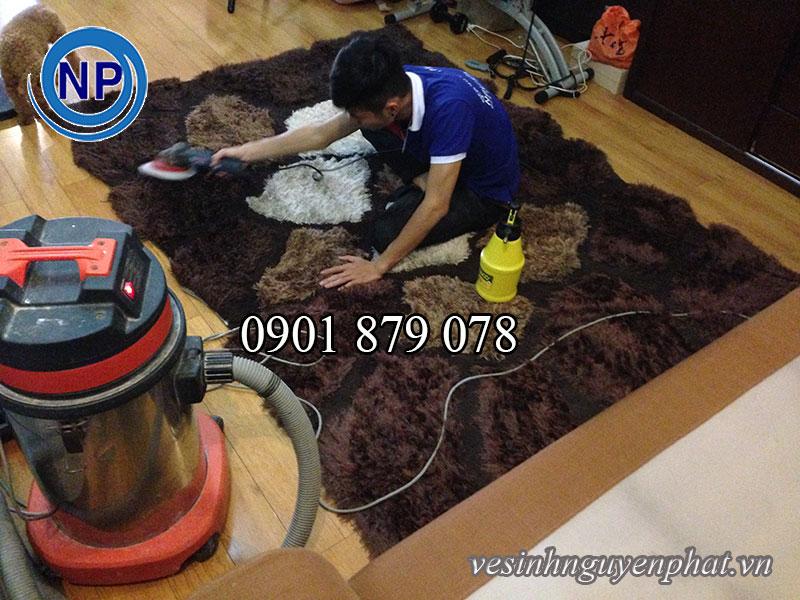 Dịch vụ giặt thảm lông TPHCM – Giặt thảm trang trí tại nhà