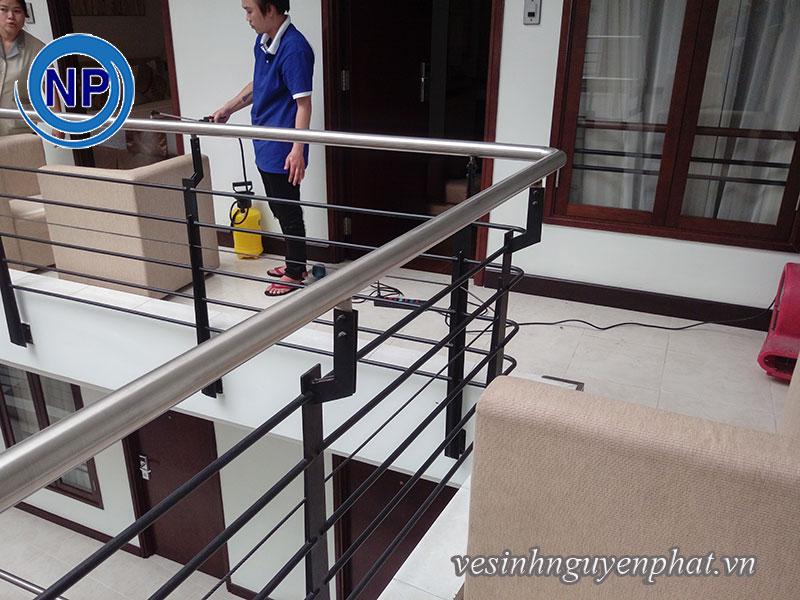 Giặt ghế sofa 40 phòng tại Viễn Đông HOTEL 5