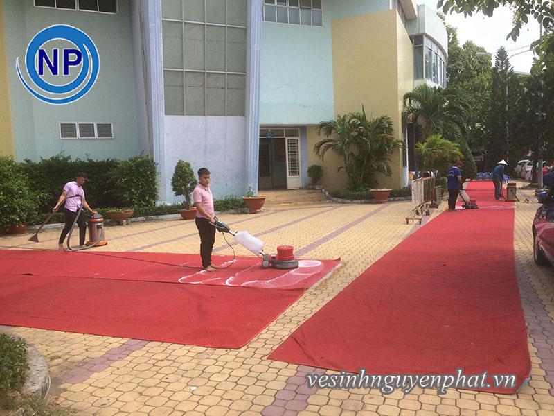 Giặt thảm tại nhà thi đấu Rạch Miễu - Phú Nhuận 3