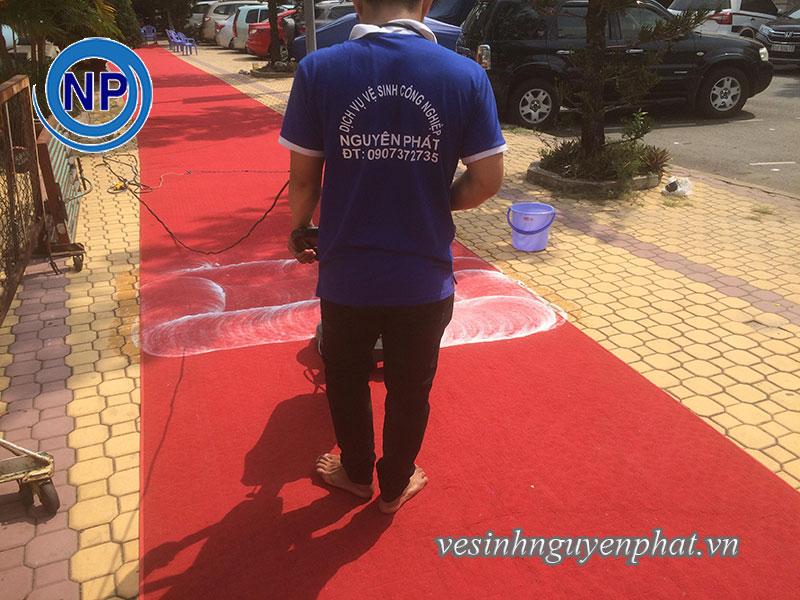 Giặt thảm tại nhà thi đấu Rạch Miễu - Phú Nhuận