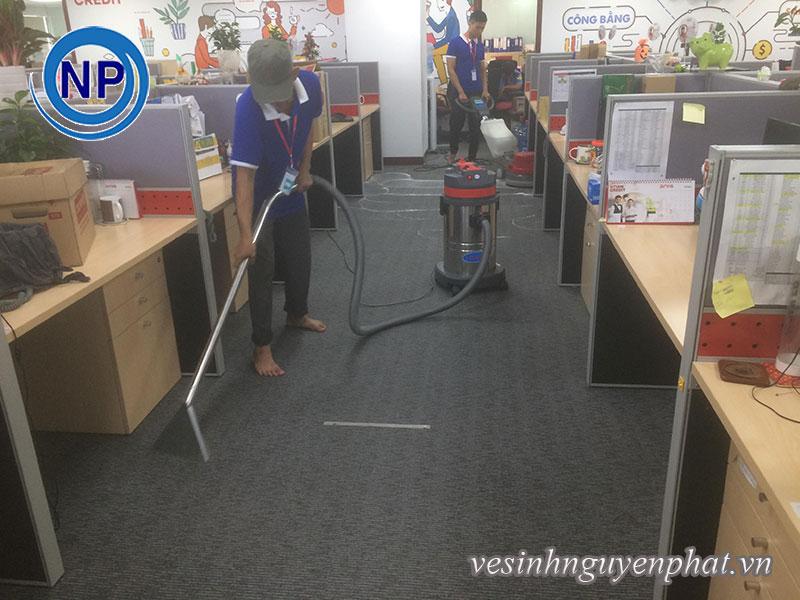Giặt thảm tại văn phòng Home Credit Việt Nam 1