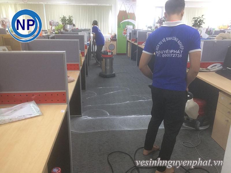 Giặt thảm tại văn phòng Home Credit Việt Nam 2