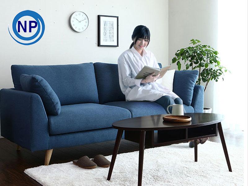 Nên lựa chọn ghế sofa da hay sofa vải