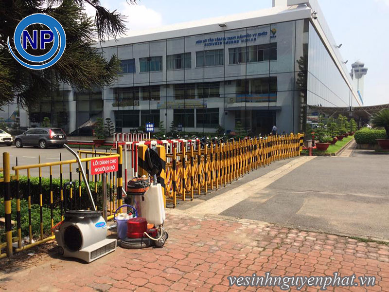 Giặt thảm tại sân bay Tân Sơn Nhất - Khu VIP A 5