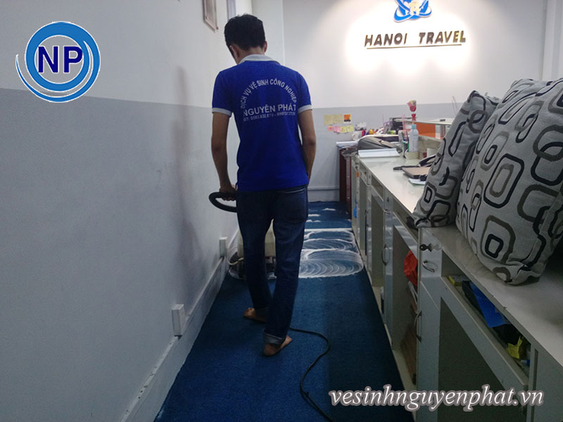 Sự tình ngành dịch vụ giặt thảm công nghiệp 2