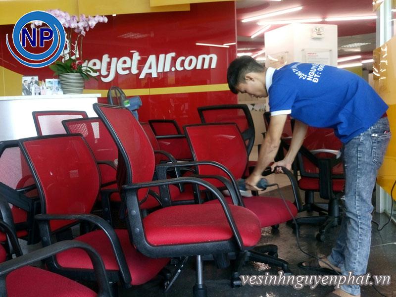Giặt ghế văn phòng tại VietJet Air 1