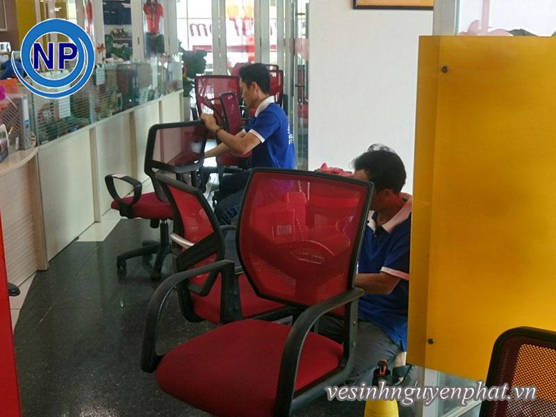 Giặt ghế văn phòng tại VietJet Air 3