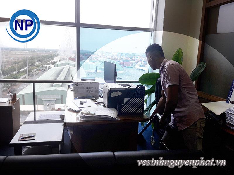 Giặt thảm văn phòng tại Tổng Công Ty Tân Cảng Sài Gòn 2